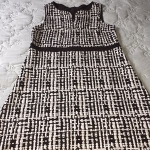 Ann Taylor Black & White dress . Sz 14 Petite.